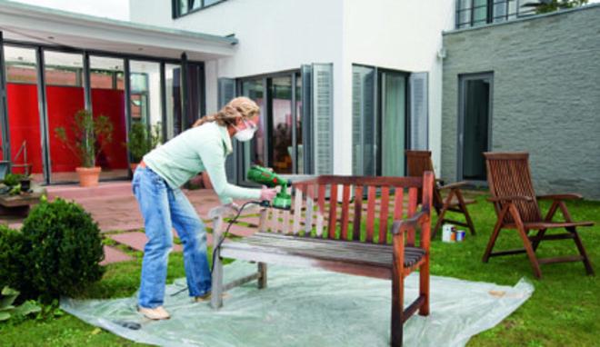 Repeindre son salon de jardin en bois - Jardin piscine et Cabane