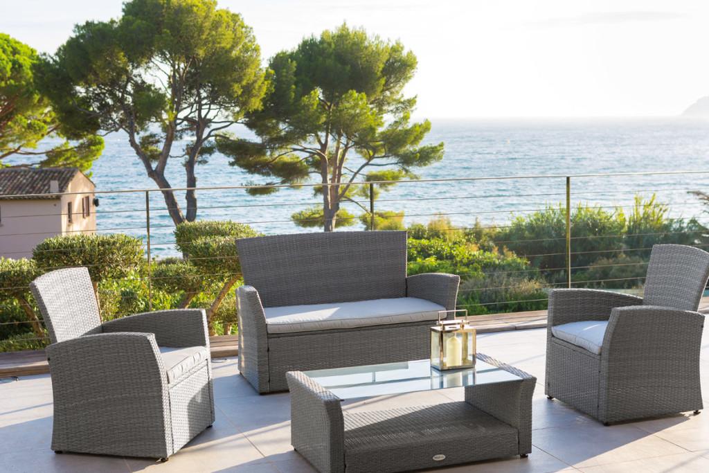 Salon de jardin hesperide en promotion - Jardin piscine et Cabane