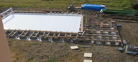 Construire un tour de piscine en bois jardin piscine et cabane - Tour de piscine en bois ...