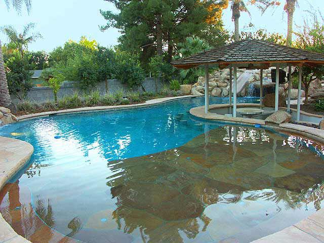 Construire sa piscine moindre cout jardin piscine et cabane - Combien coute une piscine naturelle ...