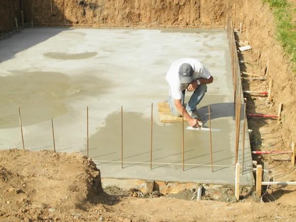 Construction piscine en stepoc jardin piscine et cabane - Realiser sa piscine ...
