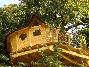 Cabane dans les bois mont saint michel