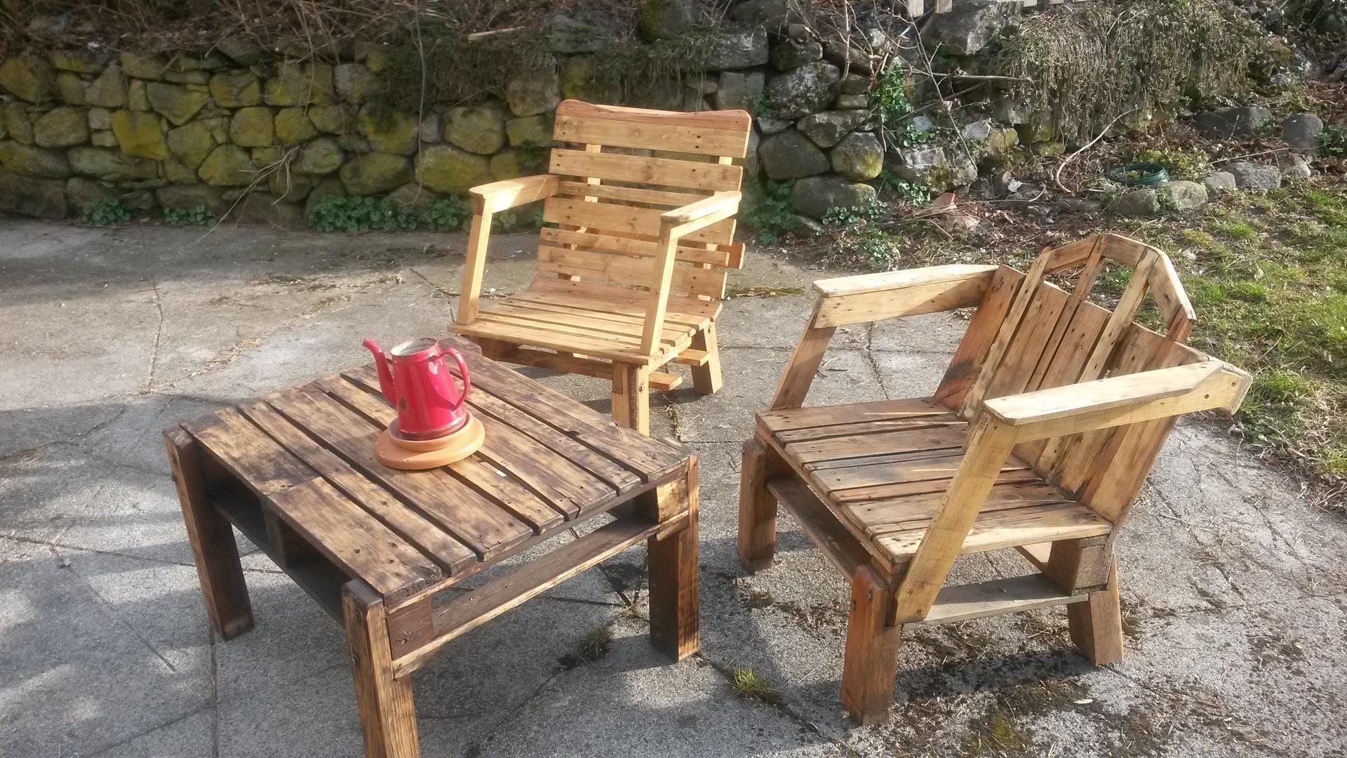 Table basse de salon de jardin en bois - Jardin piscine et Cabane