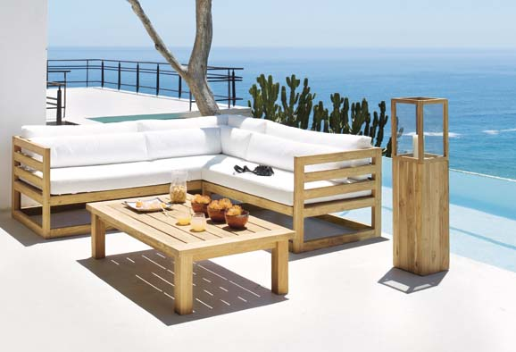 Salon de jardin en bois avec fauteuil - Jardin piscine et Cabane