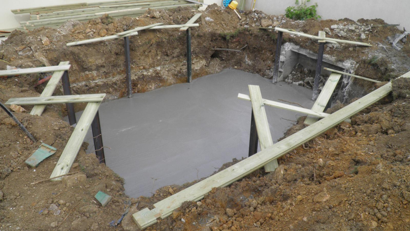 construire une piscine bois semi enterr e jardin piscine et cabane. Black Bedroom Furniture Sets. Home Design Ideas