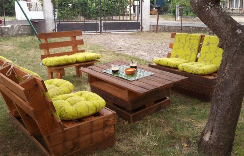 Construire son salon de jardin en palette - Jardin piscine et Cabane