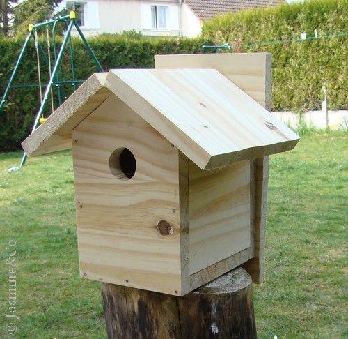 cabane a oiseaux en bois jardin piscine et cabane. Black Bedroom Furniture Sets. Home Design Ideas