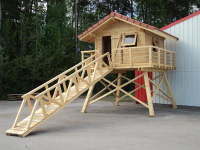 cabane de jardin en bois sur pilotis jardin piscine et. Black Bedroom Furniture Sets. Home Design Ideas