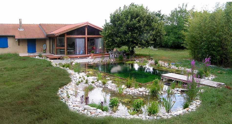 construction piscine ecologique jardin piscine et cabane. Black Bedroom Furniture Sets. Home Design Ideas