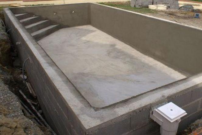 construction piscine bloc a bancher jardin piscine et cabane. Black Bedroom Furniture Sets. Home Design Ideas