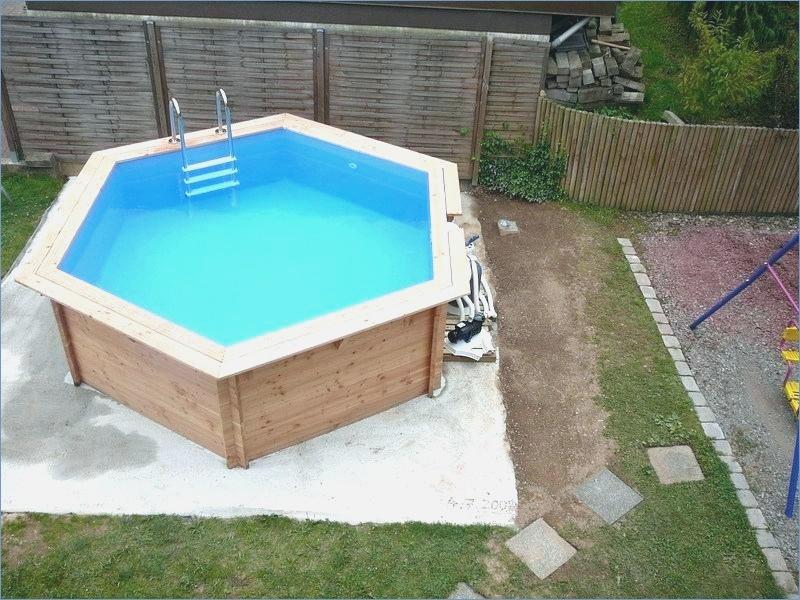 Construire une dalle en beton pour piscine hors sol jardin piscine et cabane - Dalle piscine hors sol ...