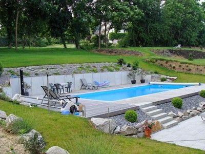 Jardin en pente avec piscine