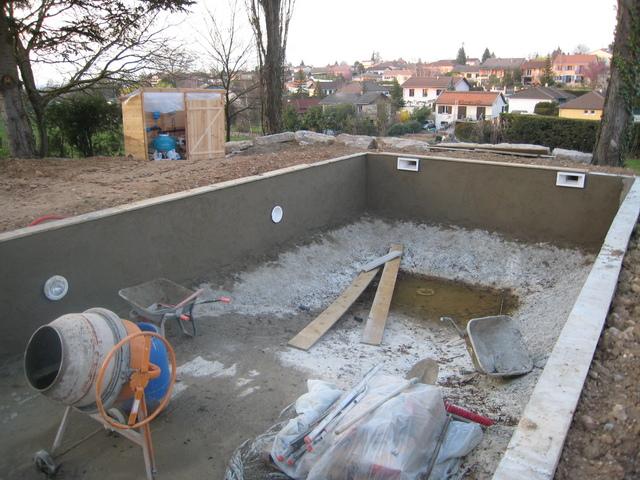 construire sa piscine en b ton banch jardin piscine et cabane. Black Bedroom Furniture Sets. Home Design Ideas