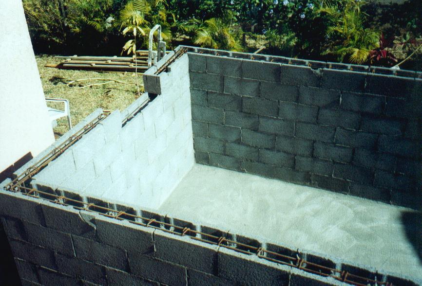 construire piscine soi meme pas cher jardin piscine et. Black Bedroom Furniture Sets. Home Design Ideas