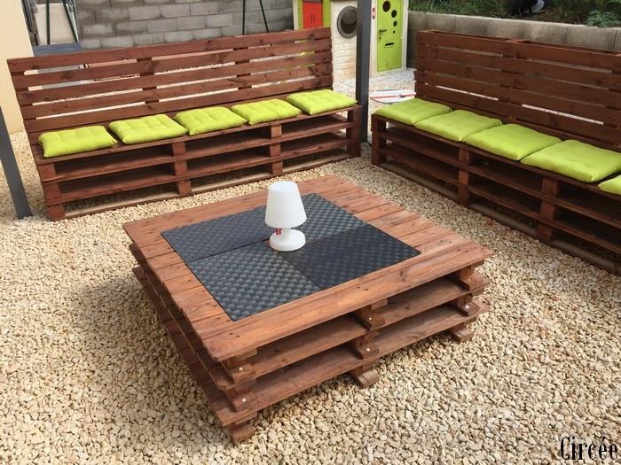 Salon de jardin avec des palettes - Jardin piscine et Cabane