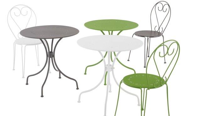 Petite table ronde de salon de jardin - Jardin piscine et Cabane