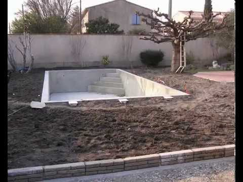construire une petite piscine en dur jardin piscine et. Black Bedroom Furniture Sets. Home Design Ideas
