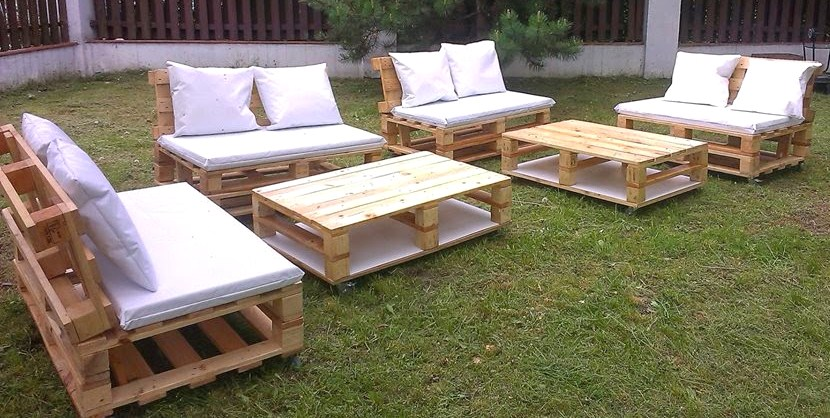 salon de jardin en palette video jardin piscine et cabane. Black Bedroom Furniture Sets. Home Design Ideas