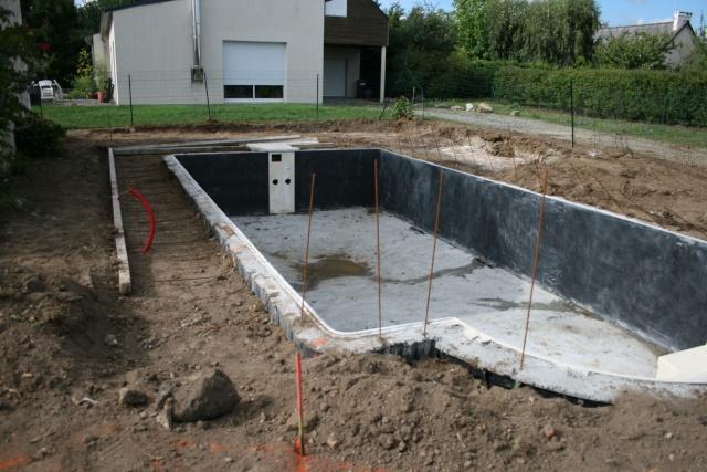 construction d 39 une piscine desjoyaux jardin piscine et. Black Bedroom Furniture Sets. Home Design Ideas