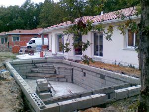 Construire Sa Piscine En Parpaing Soi Meme Jardin Piscine Et Cabane