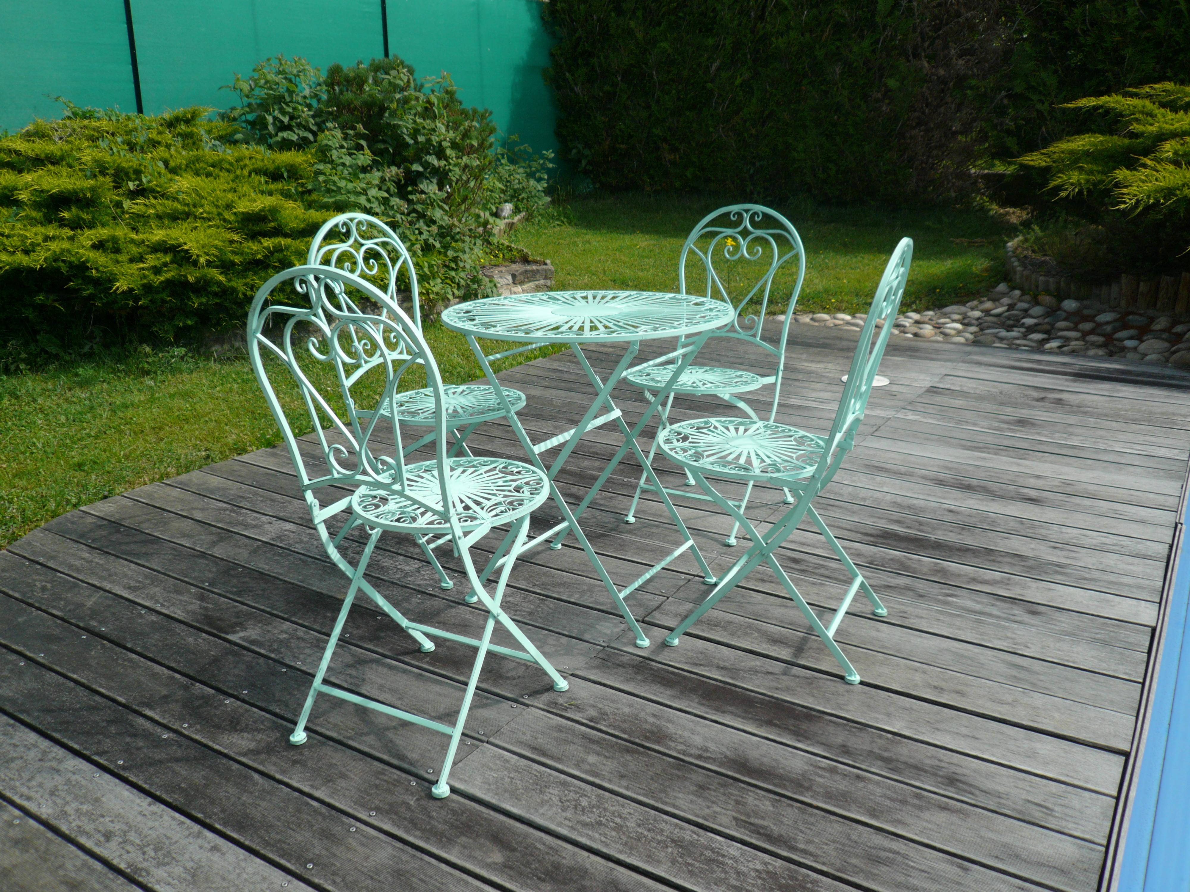 Peinture pour salon de jardin en fer jardin piscine et cabane - Peinture pour salon de jardin ...
