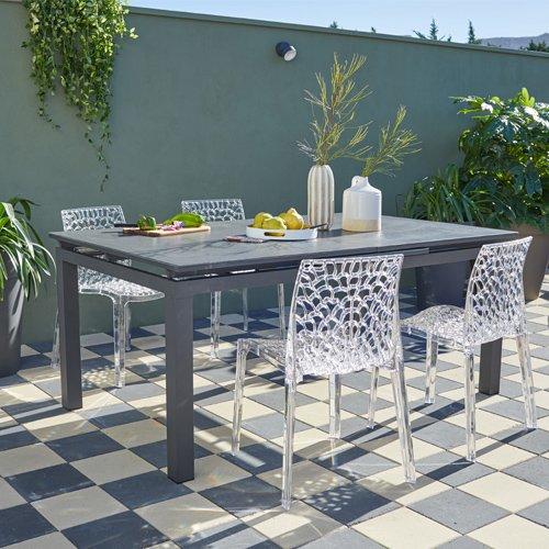 Mobilier de jardin table et chaises