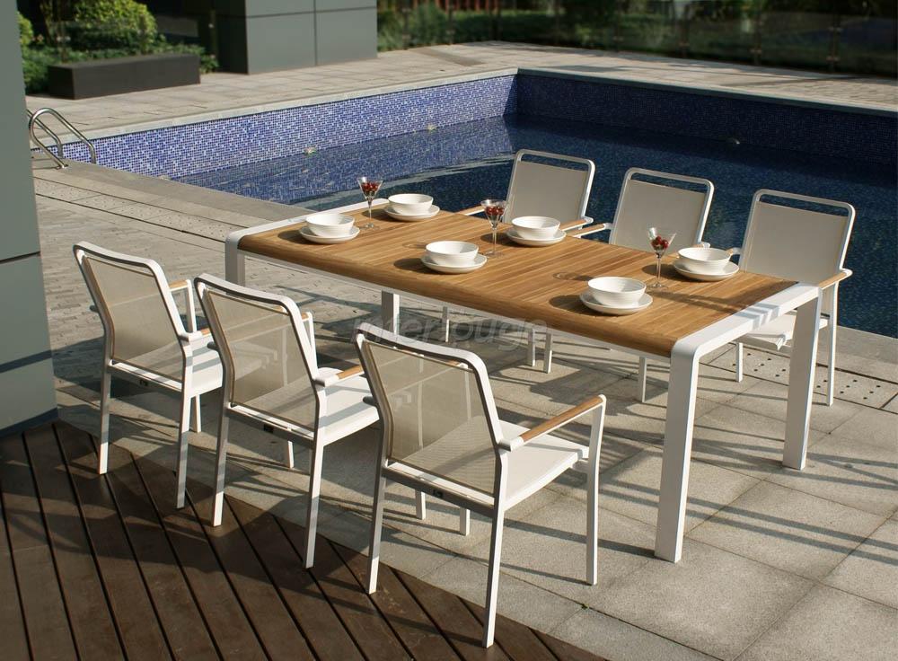 table et chaise exterieur jardin piscine et cabane. Black Bedroom Furniture Sets. Home Design Ideas