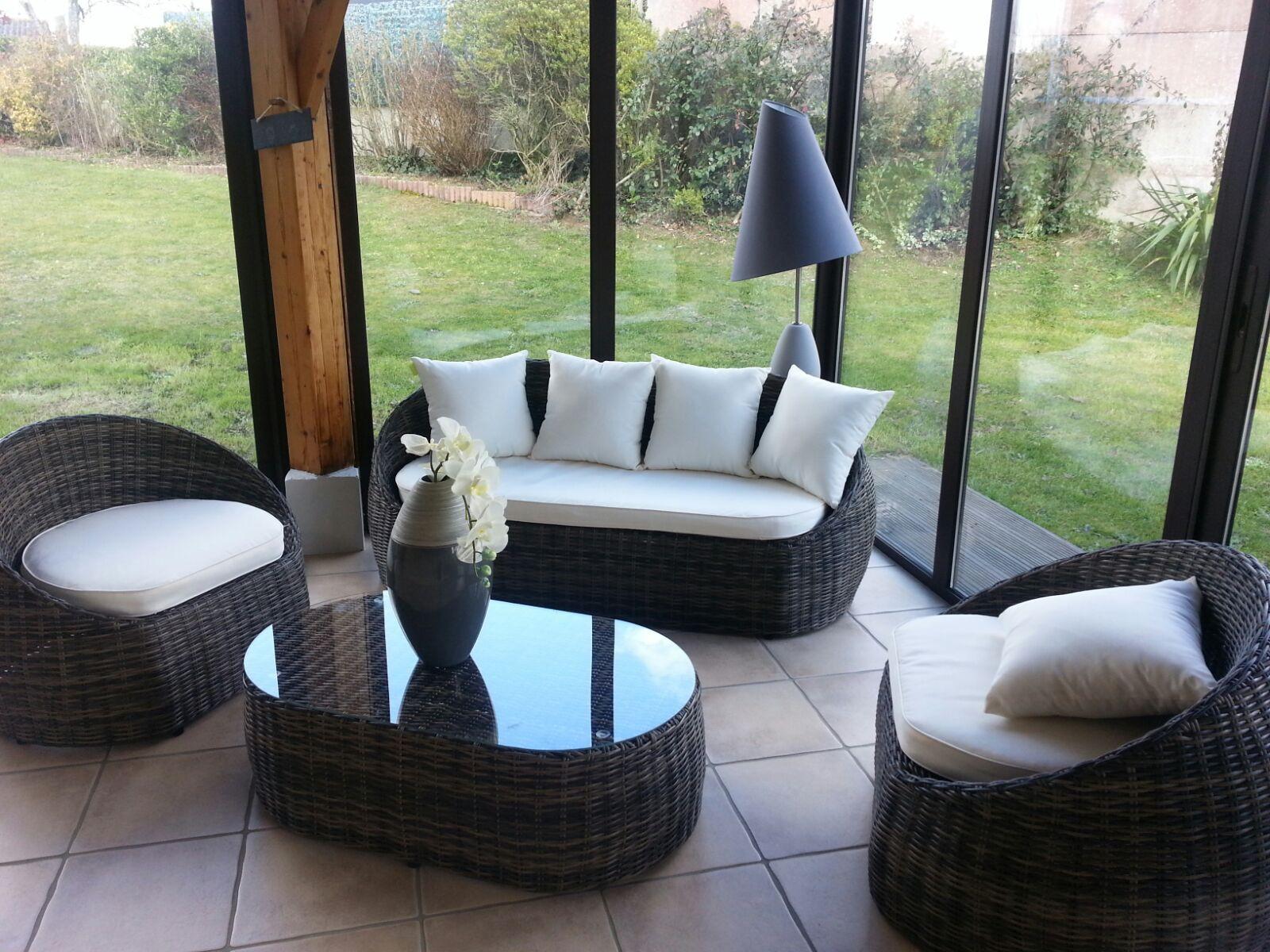 Petit canapé de jardin