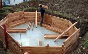 Construction piscine semi enterr e bois jardin piscine - Hivernage piscine bois semi enterree ...