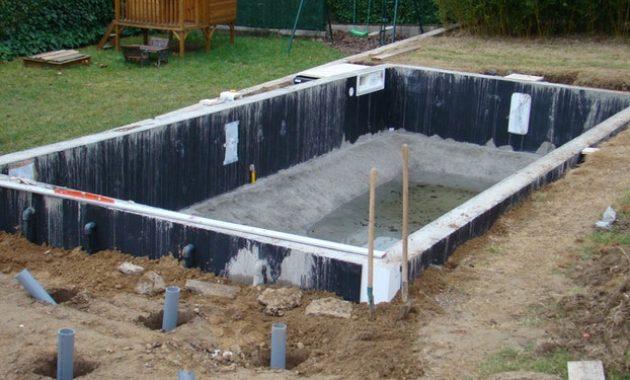 construire une piscine sur un terrain argileux jardin. Black Bedroom Furniture Sets. Home Design Ideas