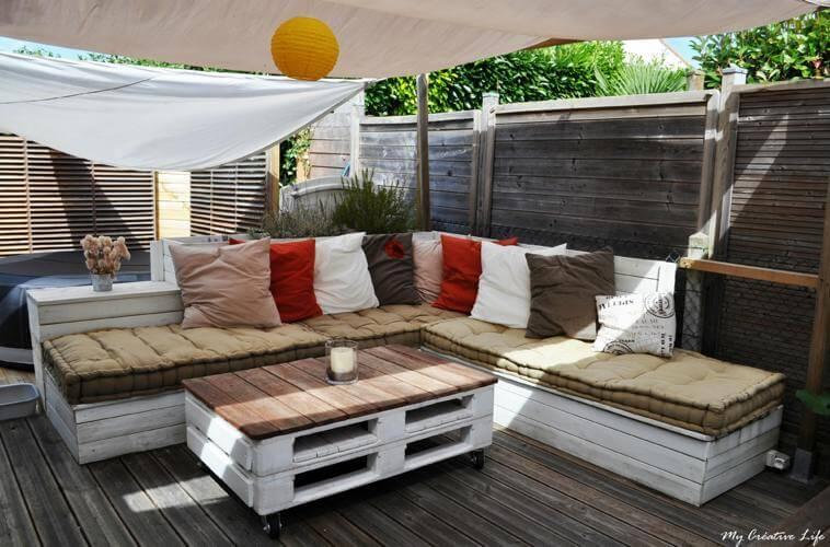 Creation salon de jardin en palette - Jardin piscine et Cabane