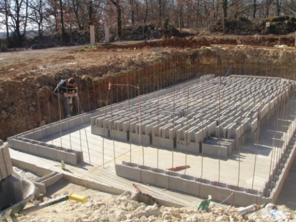 Construire une piscine en bancher