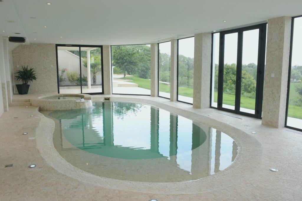 construire piscine int rieure prix jardin piscine et cabane. Black Bedroom Furniture Sets. Home Design Ideas