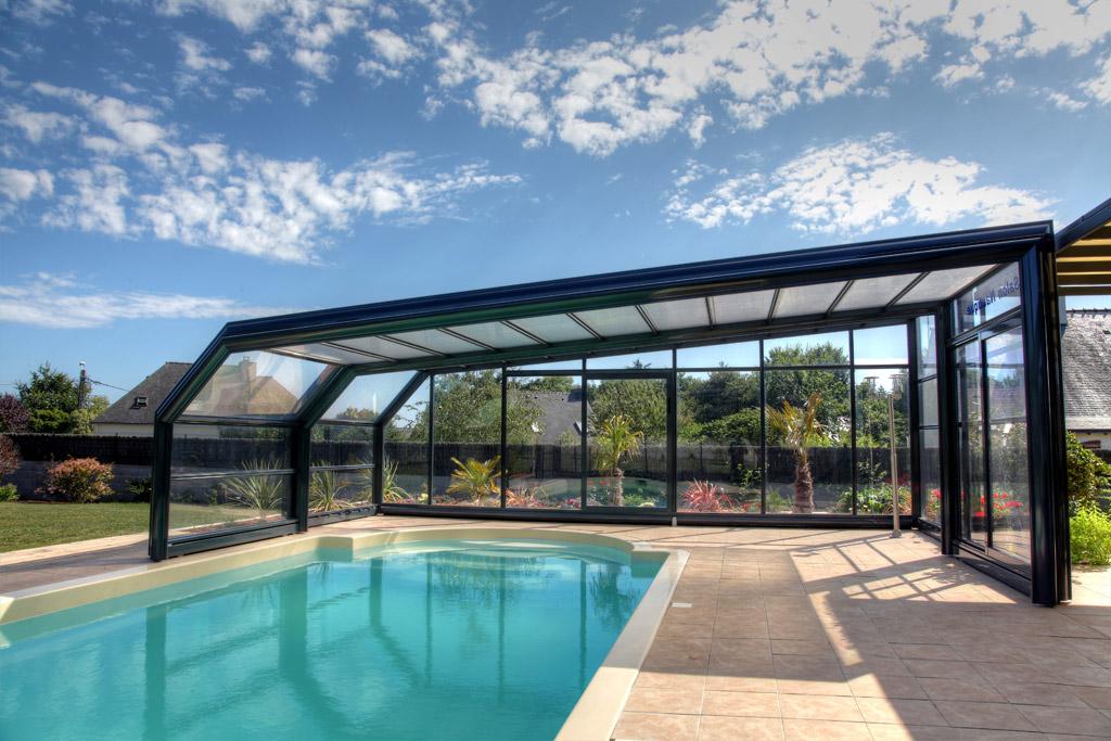 prix piscine couverte chauff e construction jardin piscine et cabane. Black Bedroom Furniture Sets. Home Design Ideas