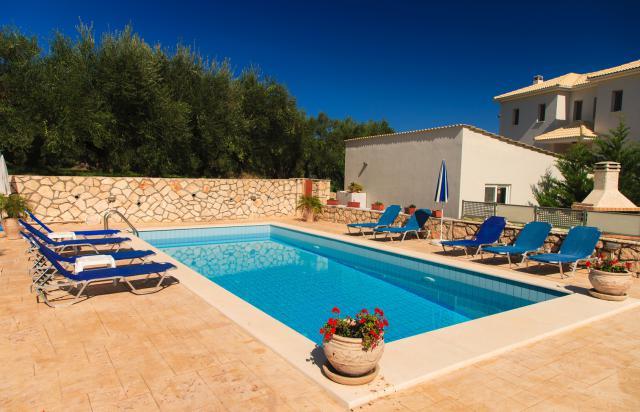 Construire piscine ile de france jardin piscine et cabane - Construction piscine reglementation ...