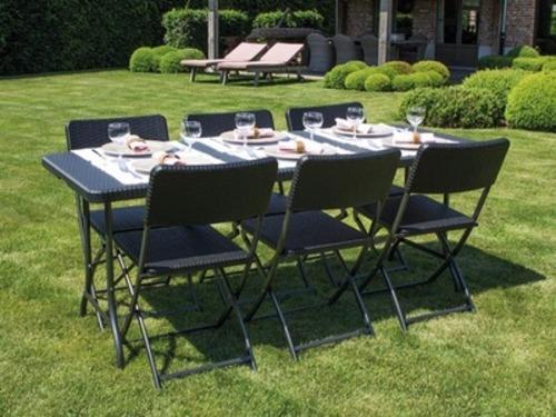 Table et chaise de jardin en resine pas cher jardin piscine et cabane - Tables et chaises de jardin pas cher ...