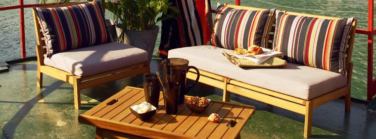 table de salon de jardin alinea jardin piscine et cabane. Black Bedroom Furniture Sets. Home Design Ideas