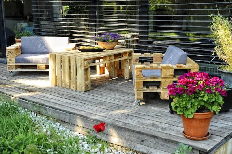 Salon de jardin extérieur en palette