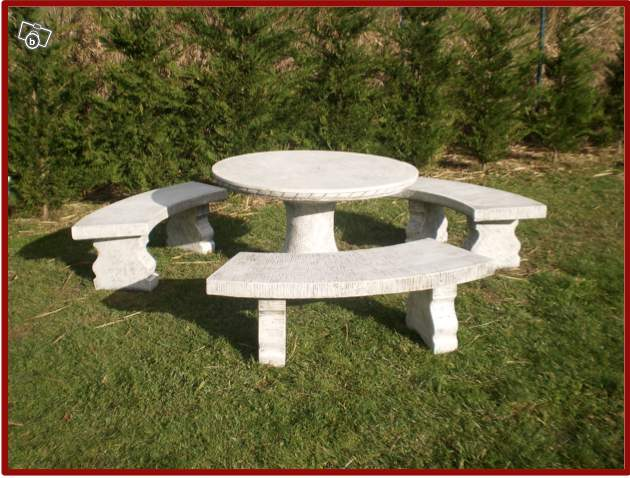 salon de jardin en pierre jardin piscine et cabane. Black Bedroom Furniture Sets. Home Design Ideas