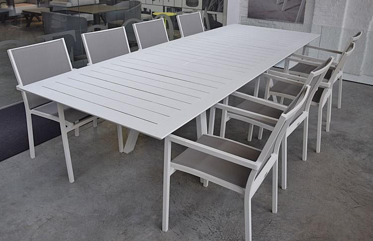 Salon de jardin aluminium 8 chaises avec table et coussins