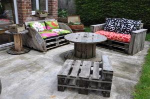 Salon de jardin avec touret