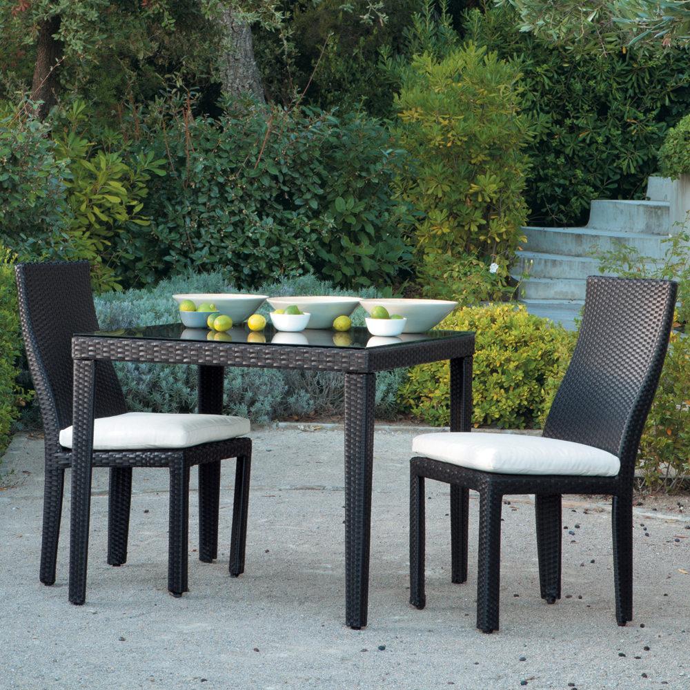 Table et chaise de jardin resine