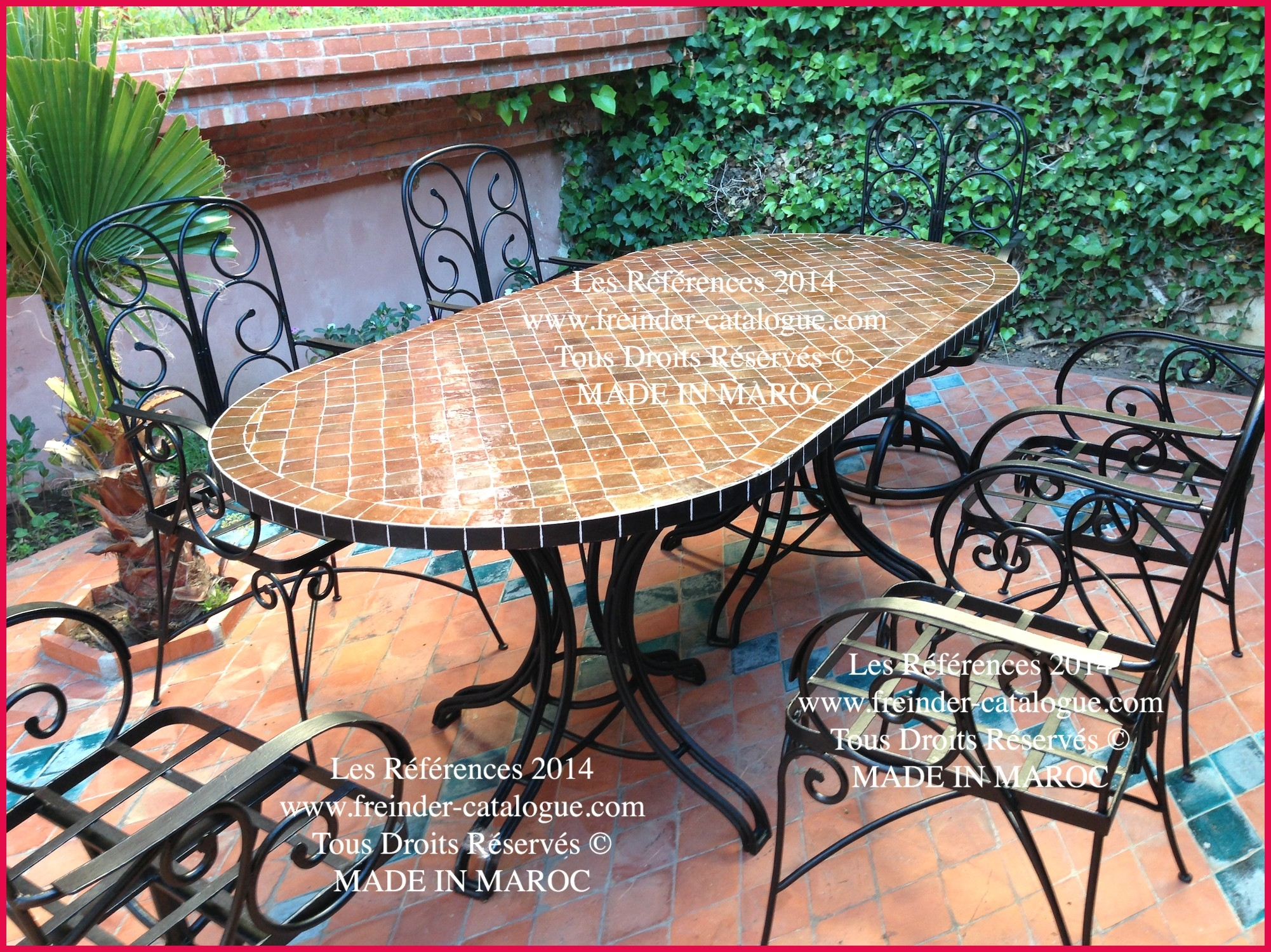 Salon de jardin avec table mosaique - Jardin piscine et Cabane