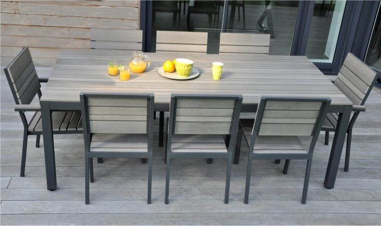 Salon de jardin table ronde pvc