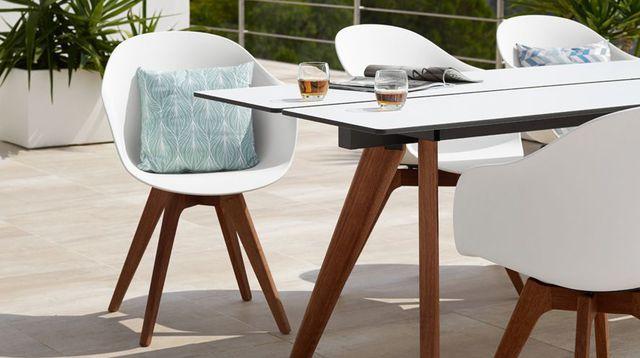 Table jardin design - Jardin piscine et Cabane