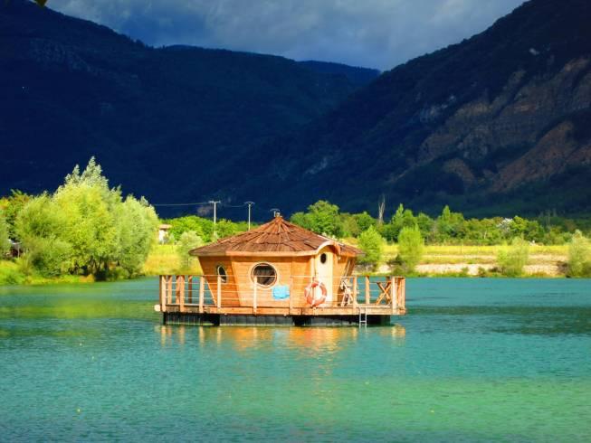 Acheter une cabane au bord de l'eau